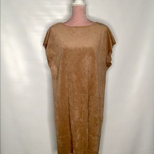 Wilfred nice a soft beige dress.Versatile.